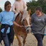 Kindern Mut machen in der pferdegestützten Kindertrauergruppe