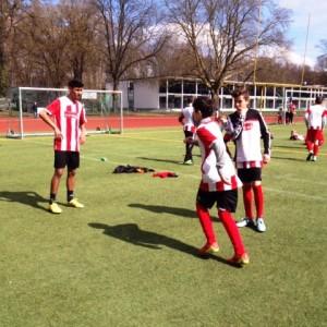 Fußball spielen für die Paria-Pänz beim 1. FC Köln