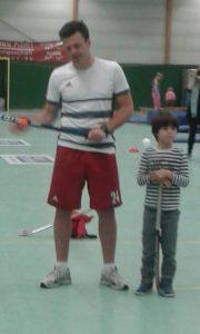 Hockey für Groß und Klein bei der Paria-Stiftung