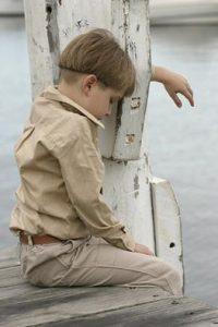 Kinder sind oft mit ihrer Trauer alleine, wenn ein Geschwisterkind stirbt.
