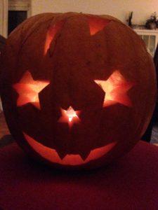 Halloween-Kürbis selbst schnitzen