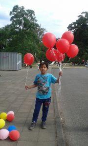 Rote Paria Stiftung Ballons flogen in die Luft
