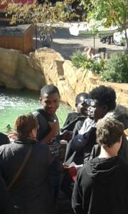 Flüchtlingskinder beim Ausflug der Paria Stiftung ins Phantasialand.