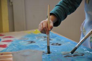 Malen und sich kreativ ausleben bei der Paria Stiftung
