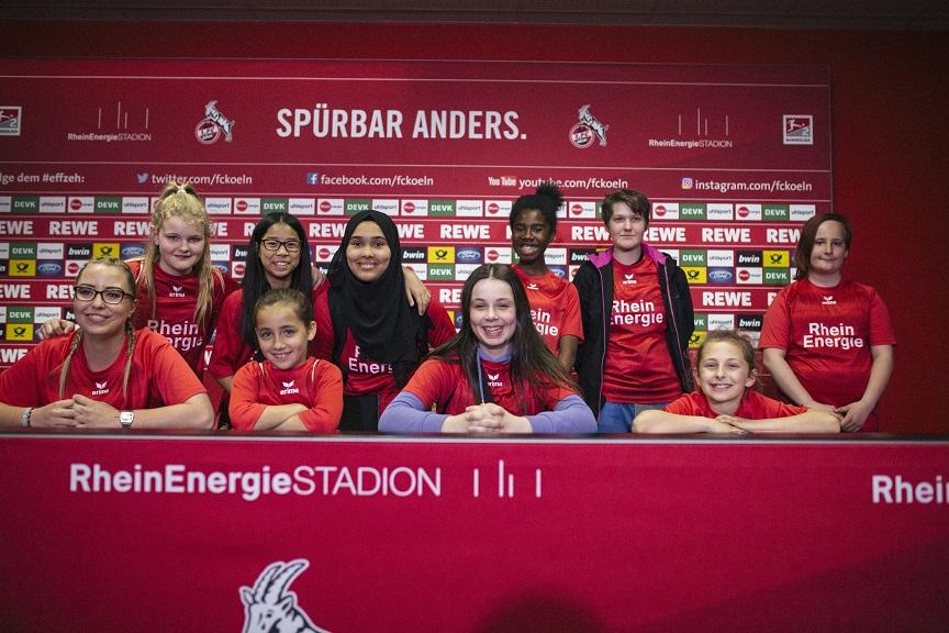 Paria Pänz zu Besuch im Rheinenergie-Stadion