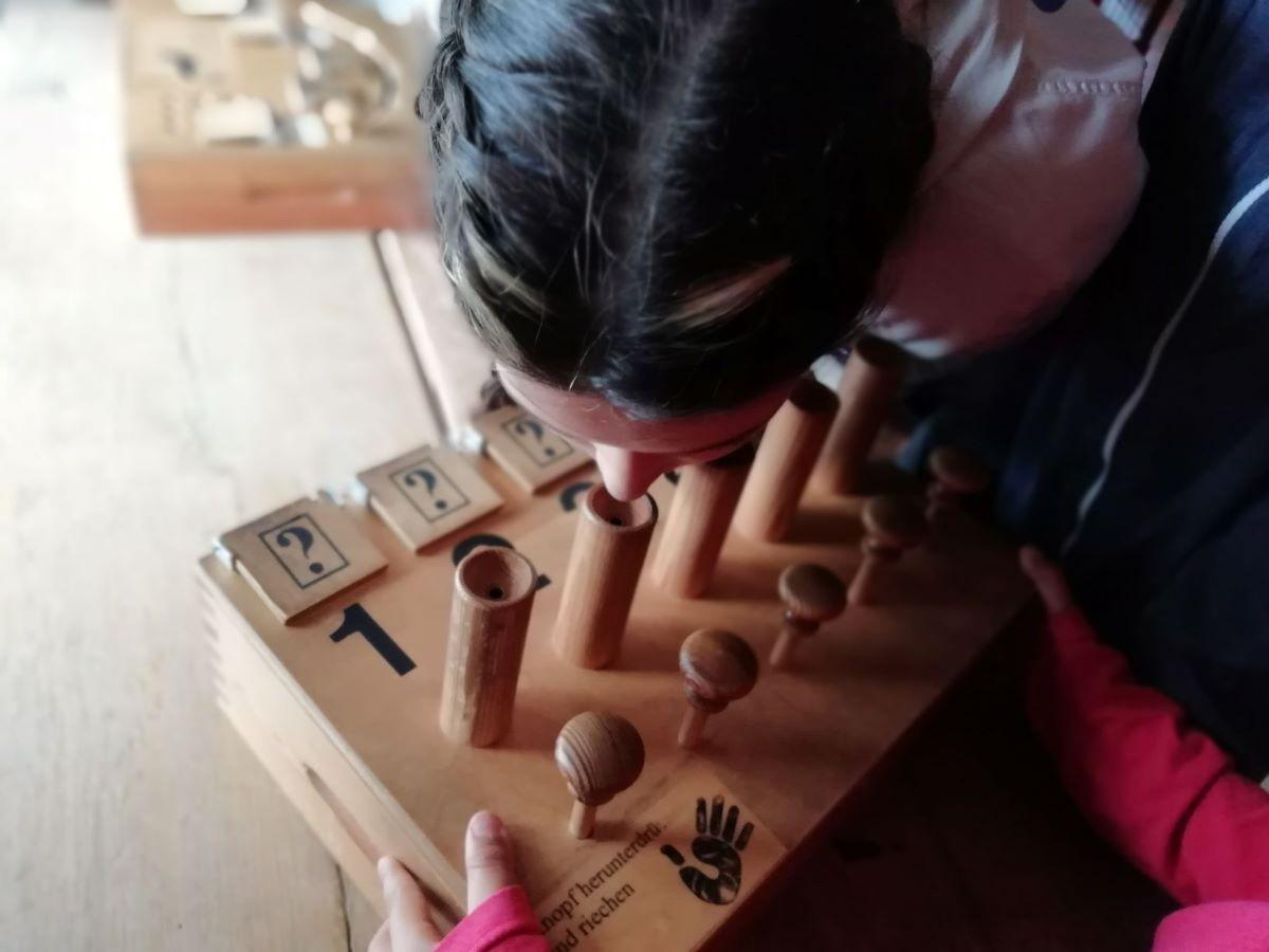Wissenswertes lernen die Paria-Kids in der realen Welt