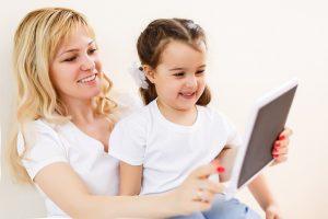 Medienfortbildungen für Eltern und pädagogische Fachkräfte in Aurich